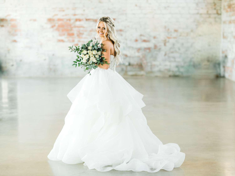 HAYLEE_DAVIS_ALLEEJ_LUBBOCK_WEDDING_PHOTOGRAPHER_BRIDALS_0012.jpg