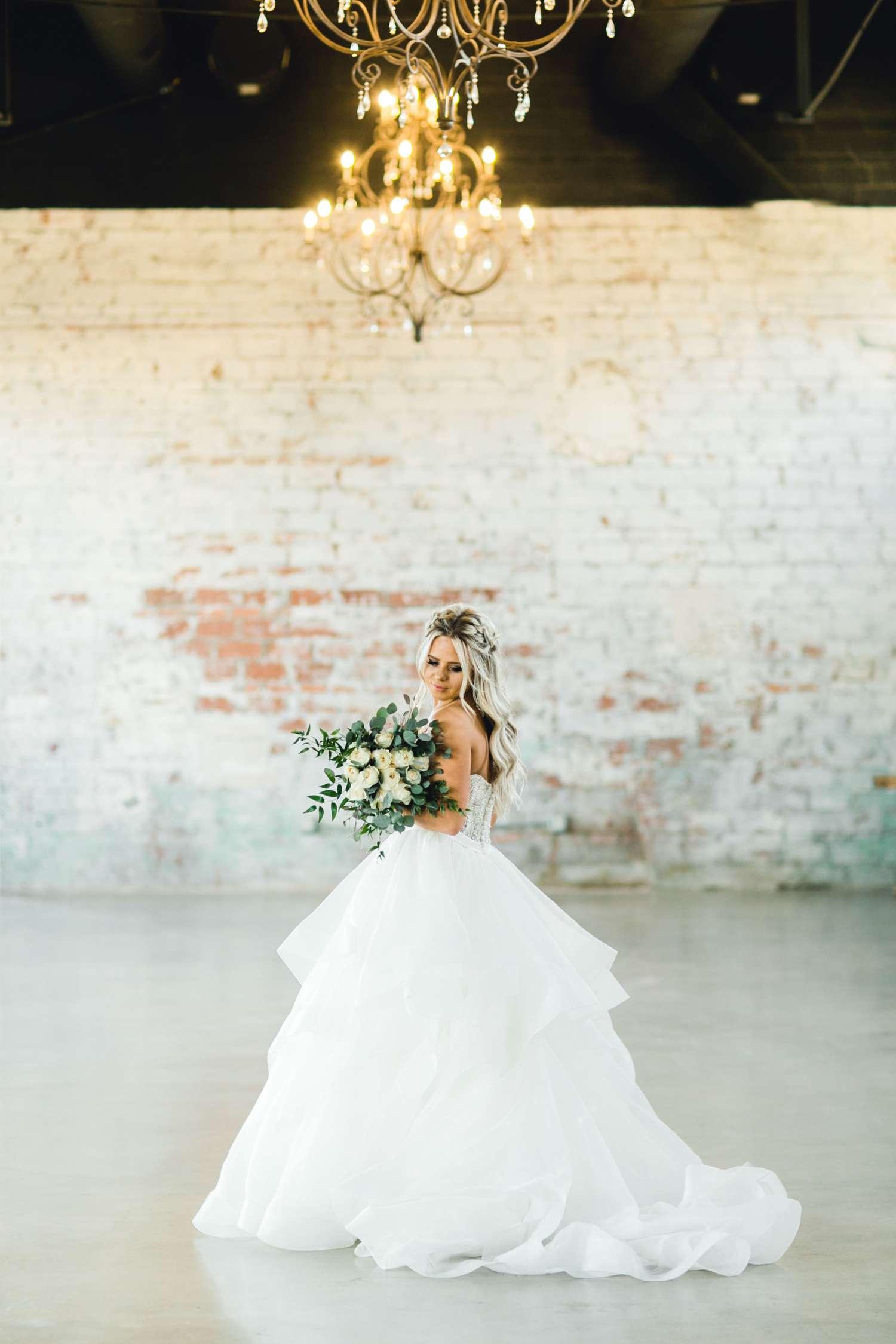 HAYLEE_DAVIS_ALLEEJ_LUBBOCK_WEDDING_PHOTOGRAPHER_BRIDALS_0017.jpg
