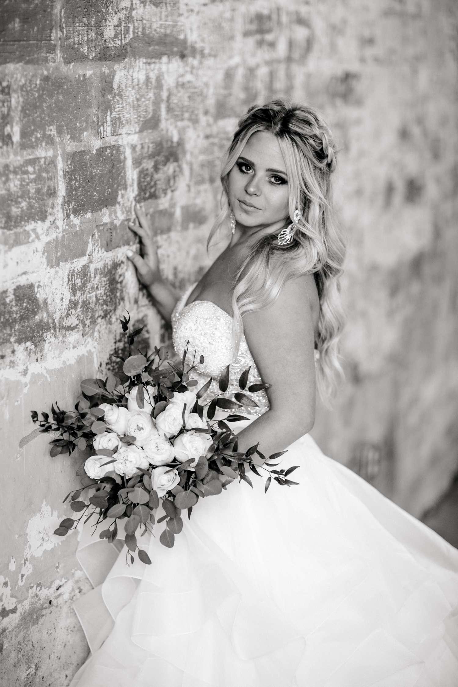 HAYLEE_DAVIS_ALLEEJ_LUBBOCK_WEDDING_PHOTOGRAPHER_BRIDALS_0018.jpg