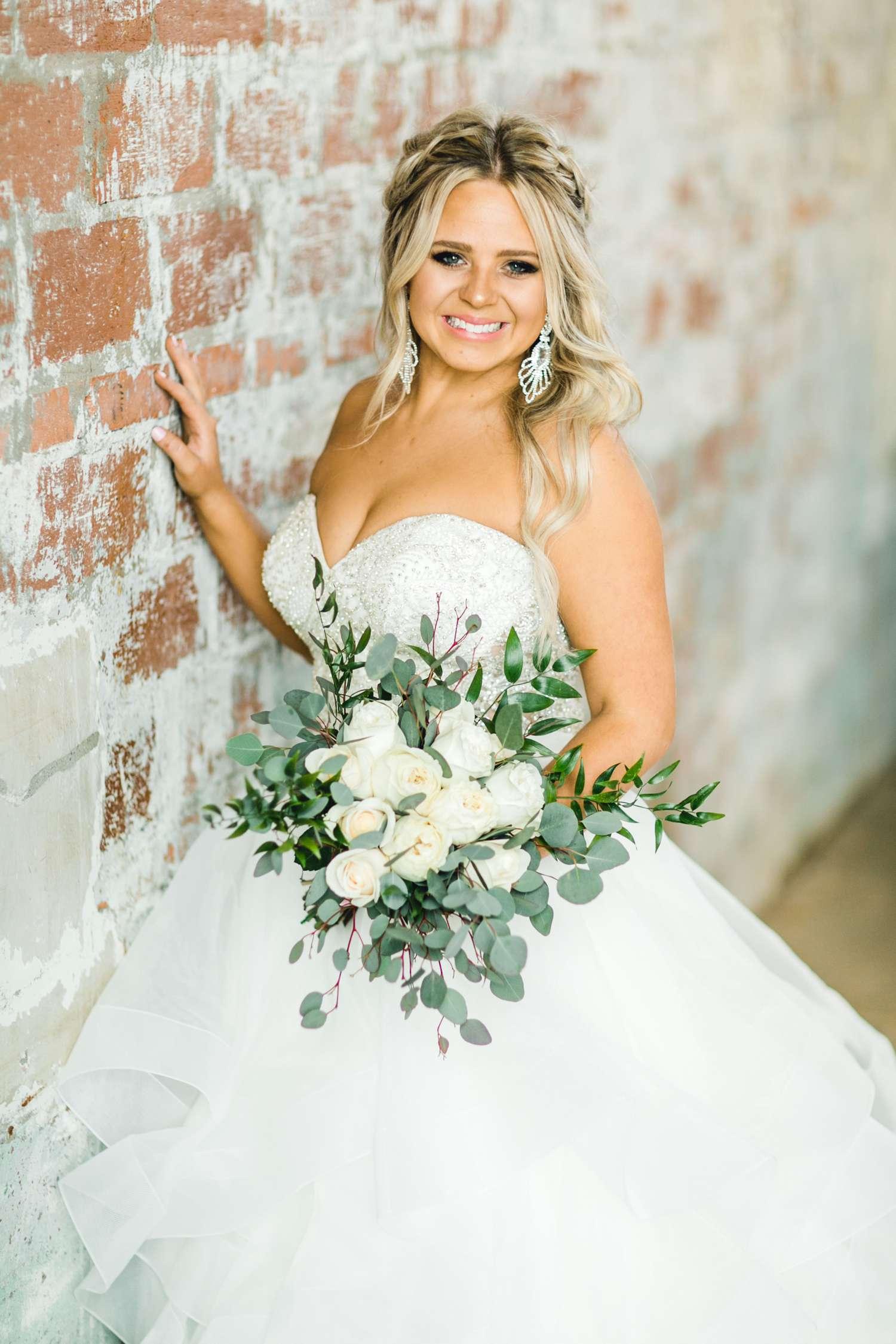 HAYLEE_DAVIS_ALLEEJ_LUBBOCK_WEDDING_PHOTOGRAPHER_BRIDALS_0021.jpg