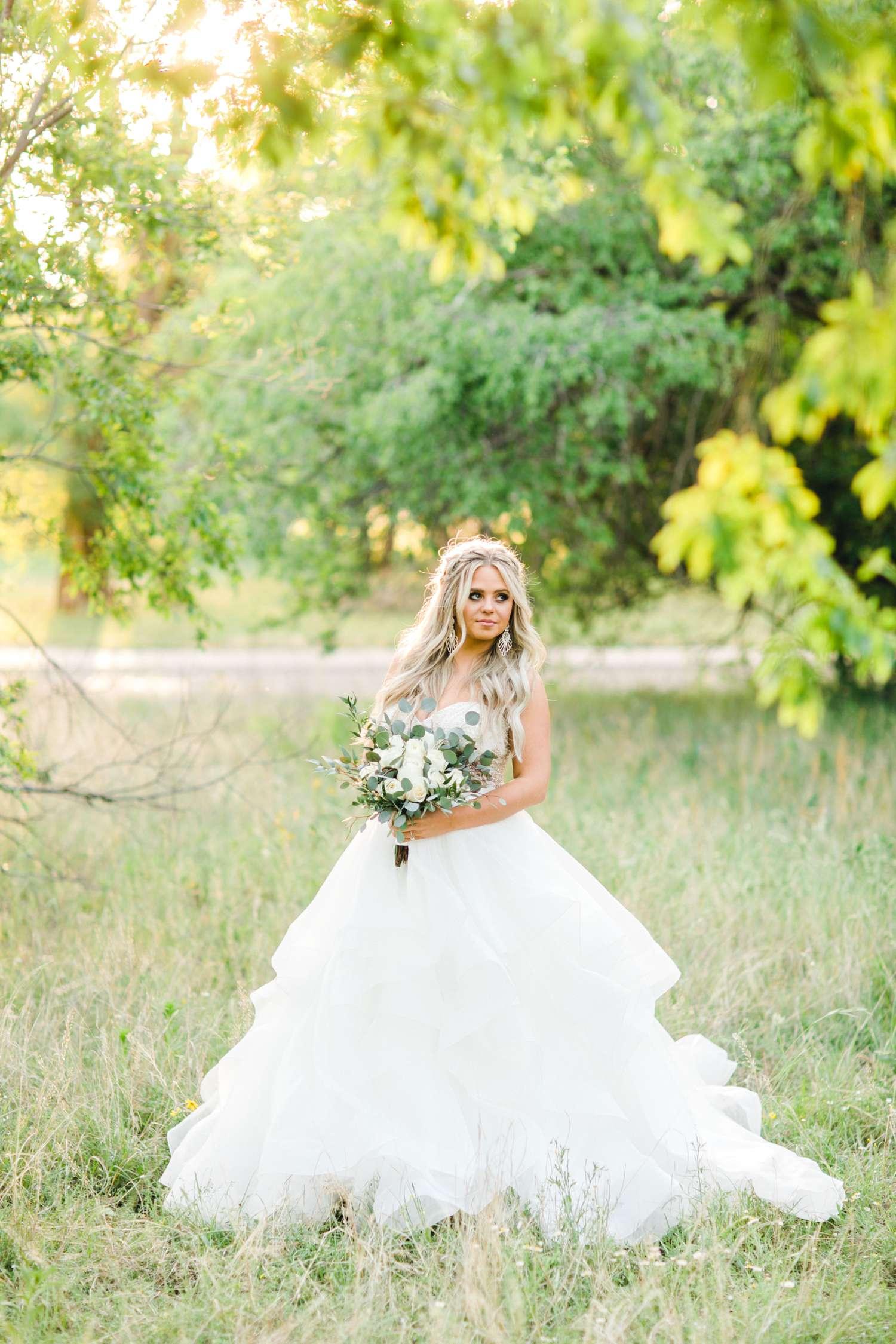 HAYLEE_DAVIS_ALLEEJ_LUBBOCK_WEDDING_PHOTOGRAPHER_BRIDALS_0024.jpg