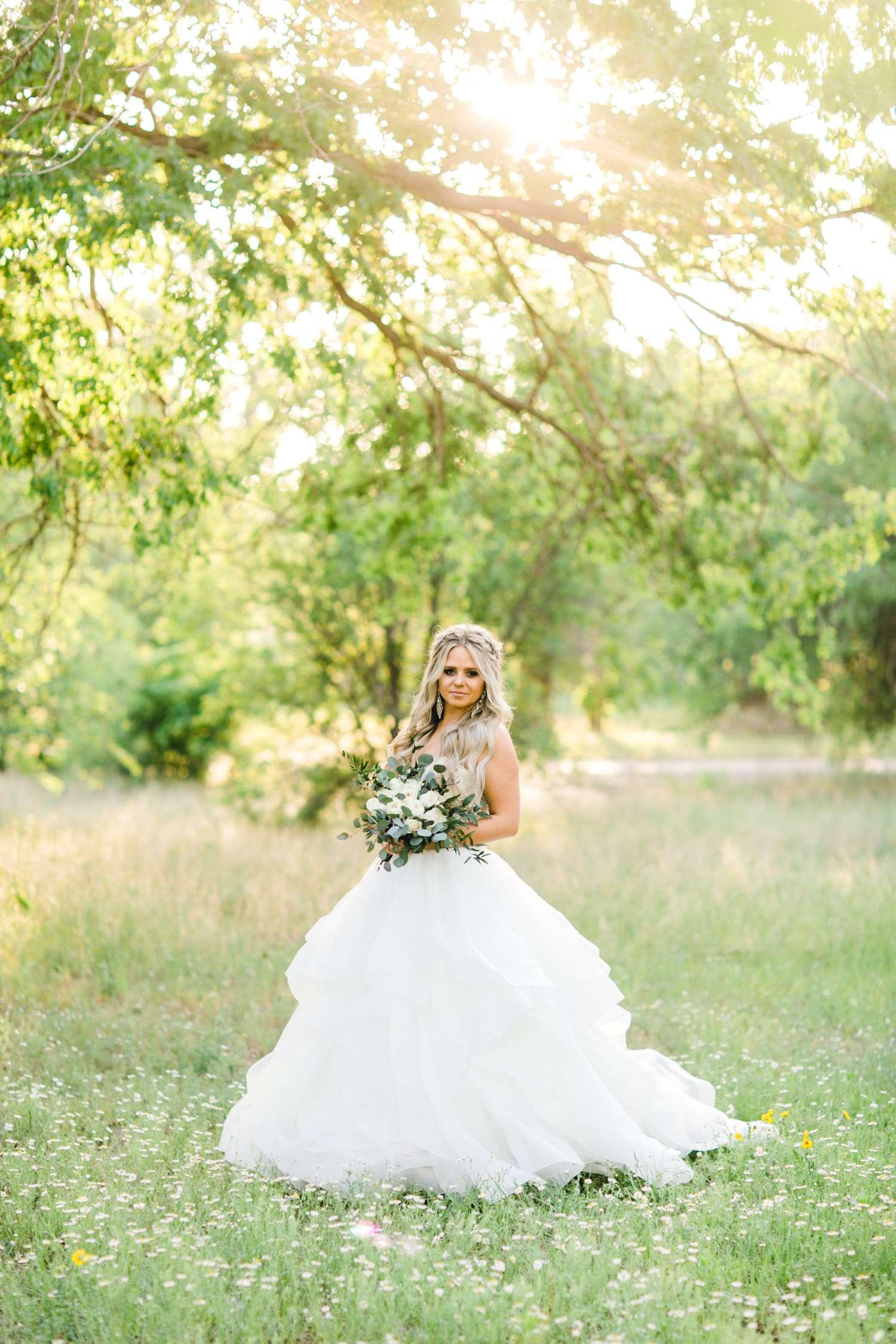 HAYLEE_DAVIS_ALLEEJ_LUBBOCK_WEDDING_PHOTOGRAPHER_BRIDALS_0026.jpg