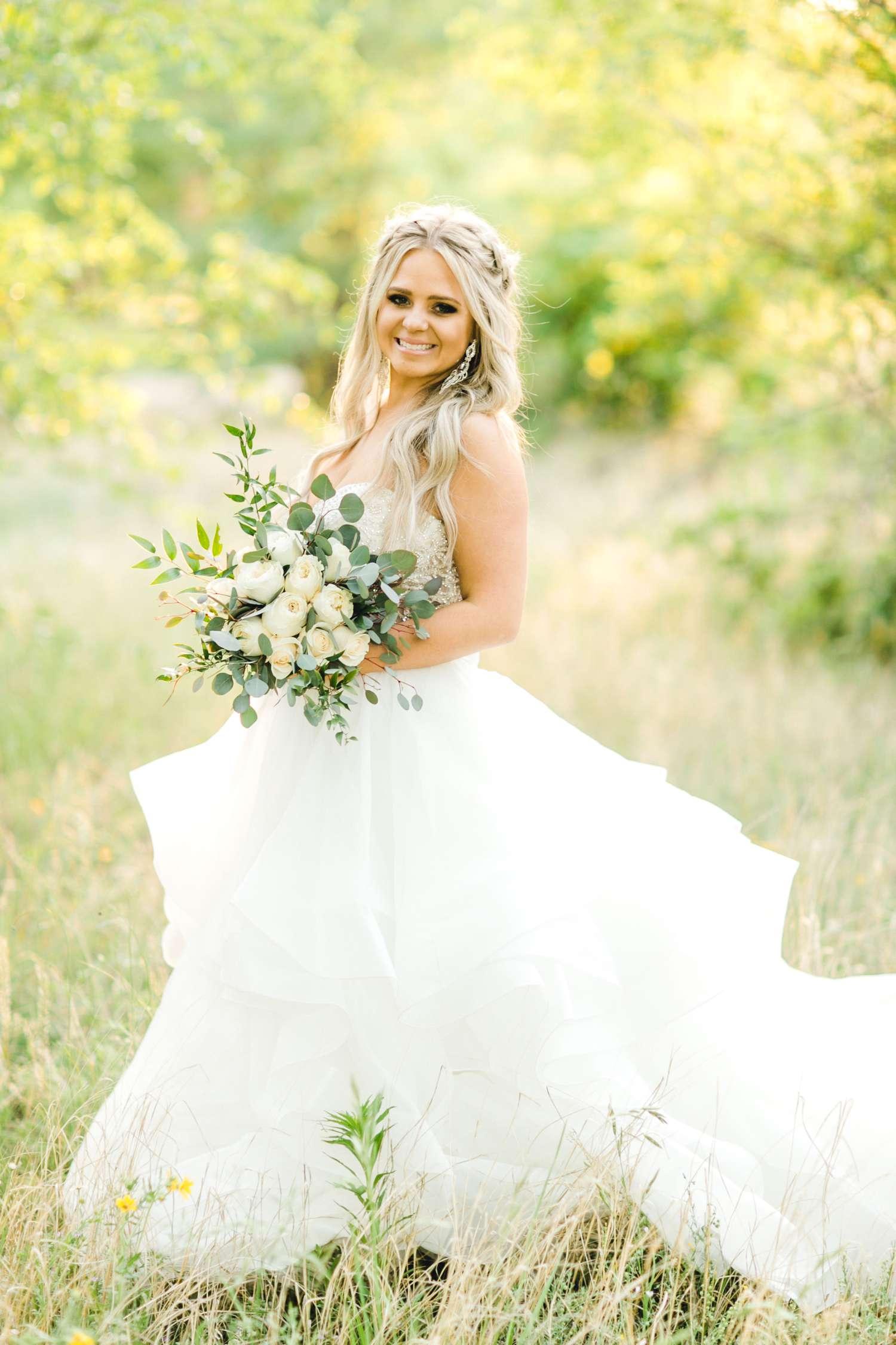 HAYLEE_DAVIS_ALLEEJ_LUBBOCK_WEDDING_PHOTOGRAPHER_BRIDALS_0029.jpg
