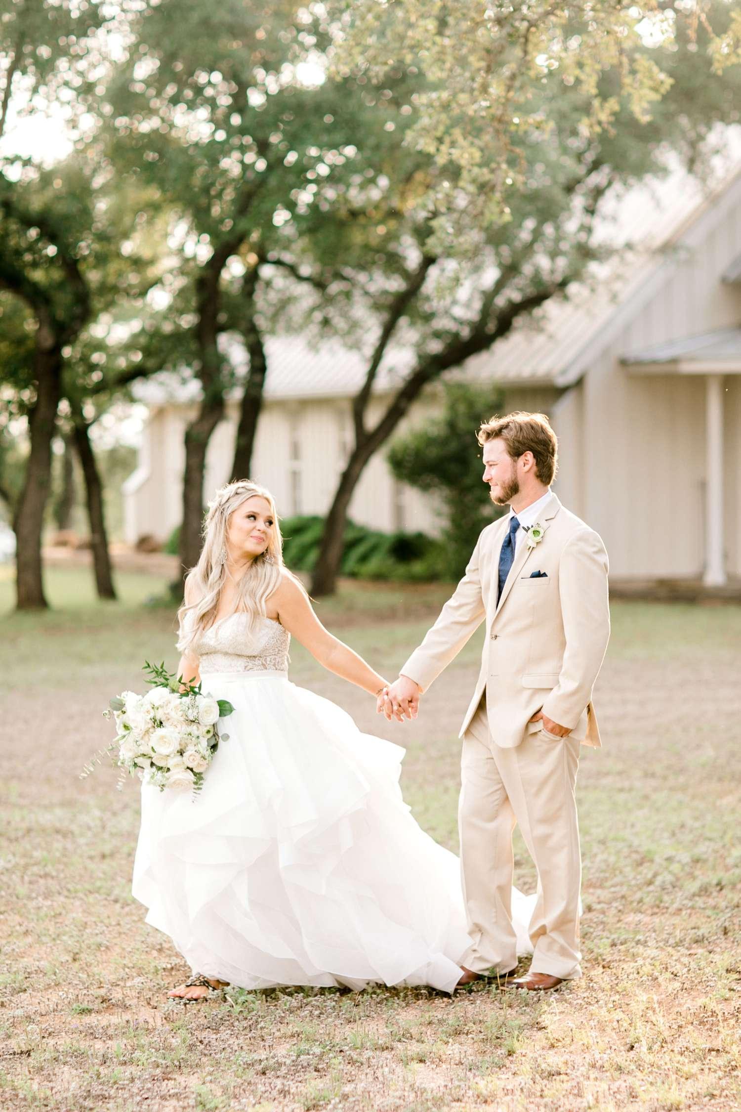 HAYLEE+JUSTIN+GREGORY+HERITAGE_HAUS_AUSTIN_TEXAS_WEDDING_0104.jpg