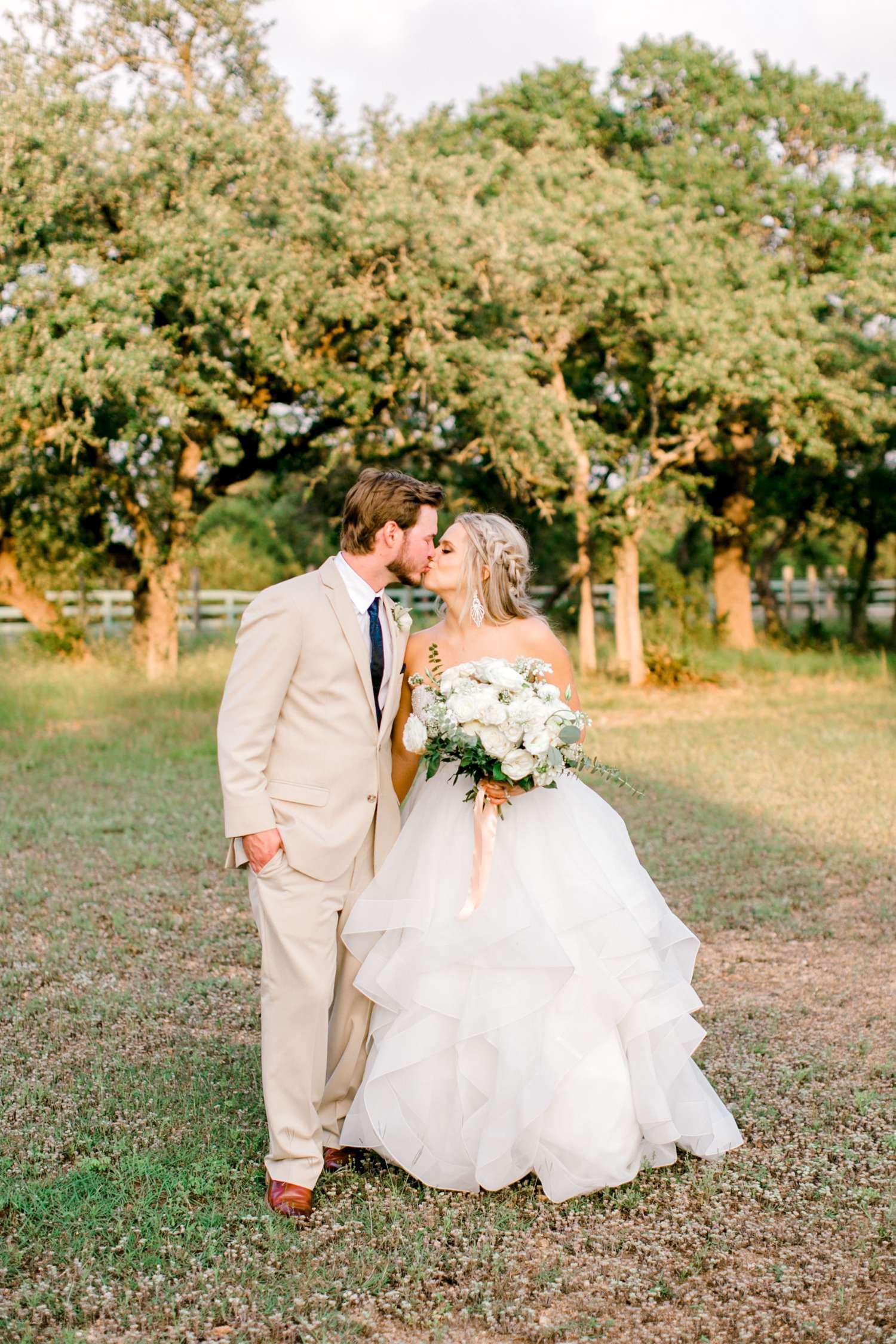 HAYLEE+JUSTIN+GREGORY+HERITAGE_HAUS_AUSTIN_TEXAS_WEDDING_0131.jpg