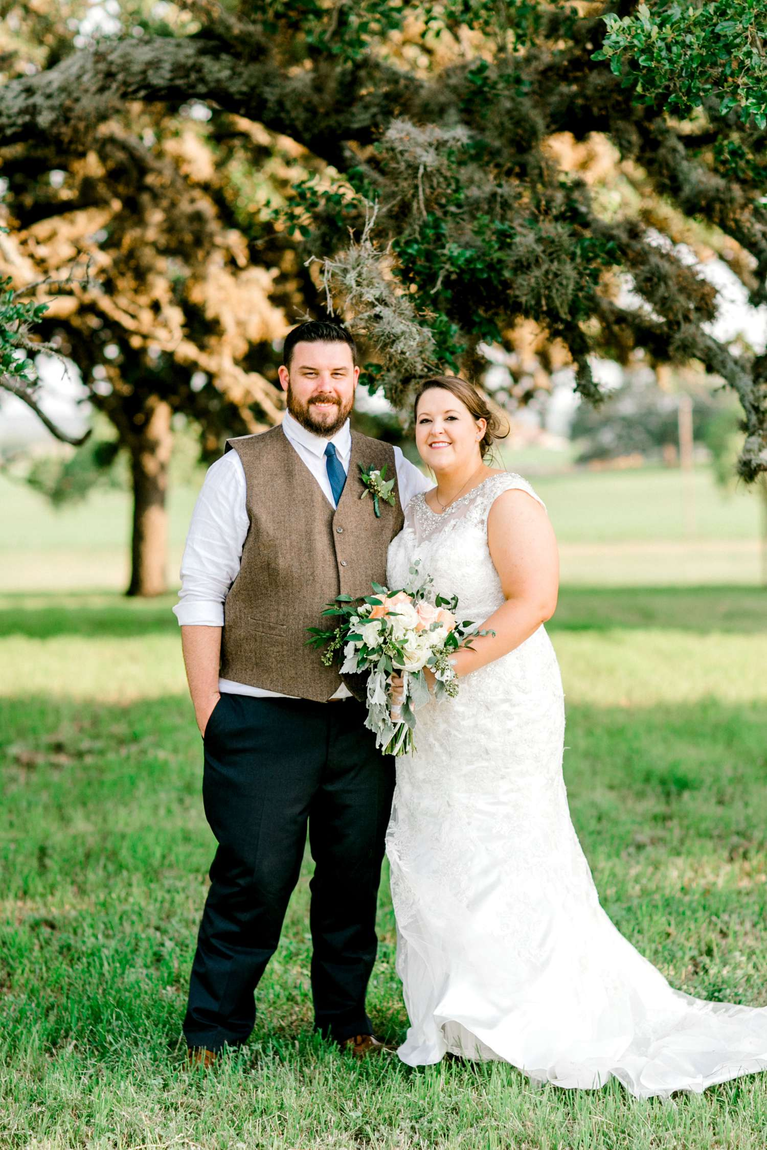 CHELSEA_AND_NICK_ADAMS_FREDRICKSBURG_WEDDING_ALLEEJ0117.jpg