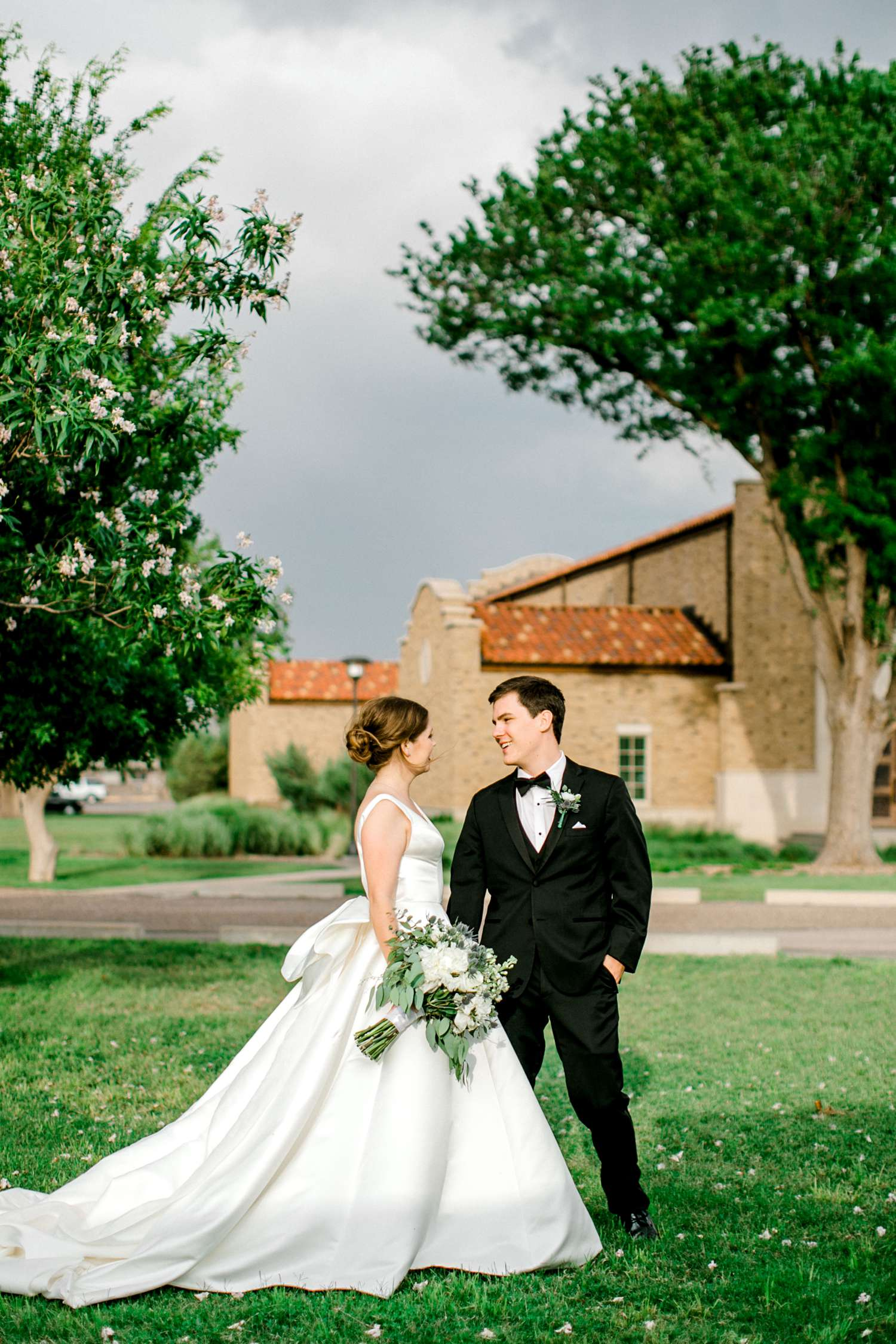 HANNAH+CRAIG+CHILDS+TEXAS+TECH+WEDDING+ALLEEJ+LUBBOCK+PHOTOGRAPHER_0113.jpg