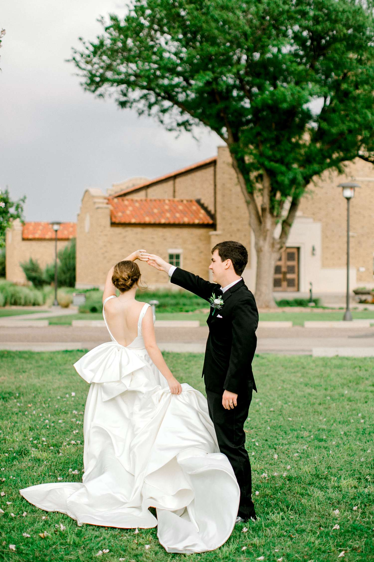 HANNAH+CRAIG+CHILDS+TEXAS+TECH+WEDDING+ALLEEJ+LUBBOCK+PHOTOGRAPHER_0114.jpg