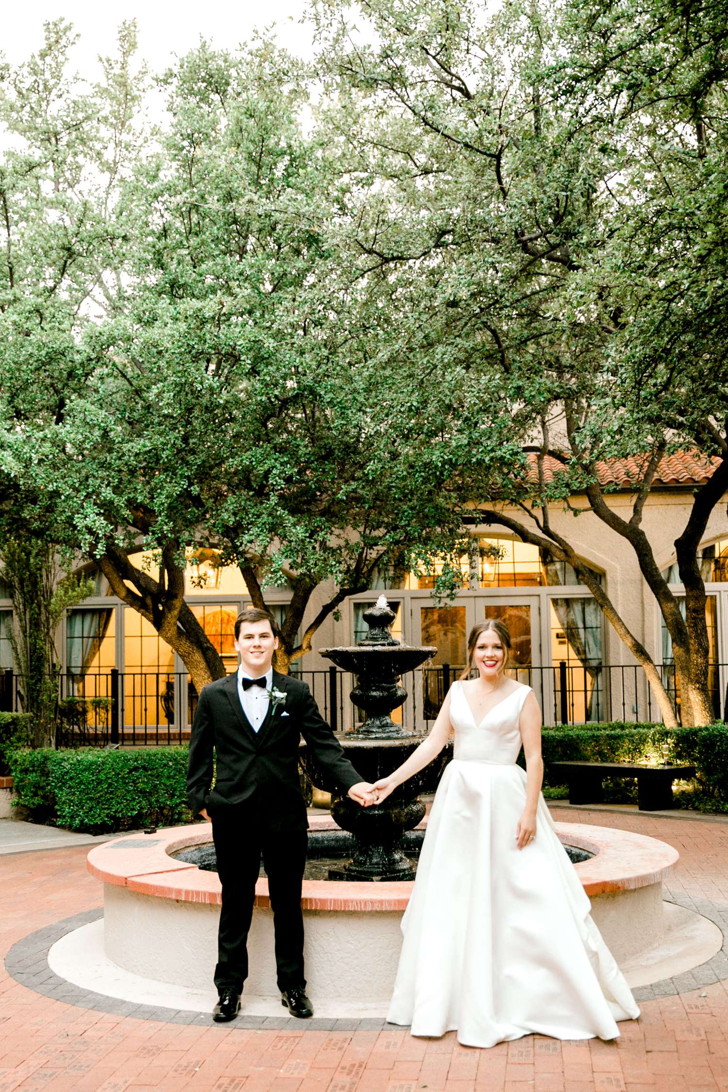 HANNAH+CRAIG+CHILDS+TEXAS+TECH+WEDDING+ALLEEJ+LUBBOCK+PHOTOGRAPHER_0137.jpg
