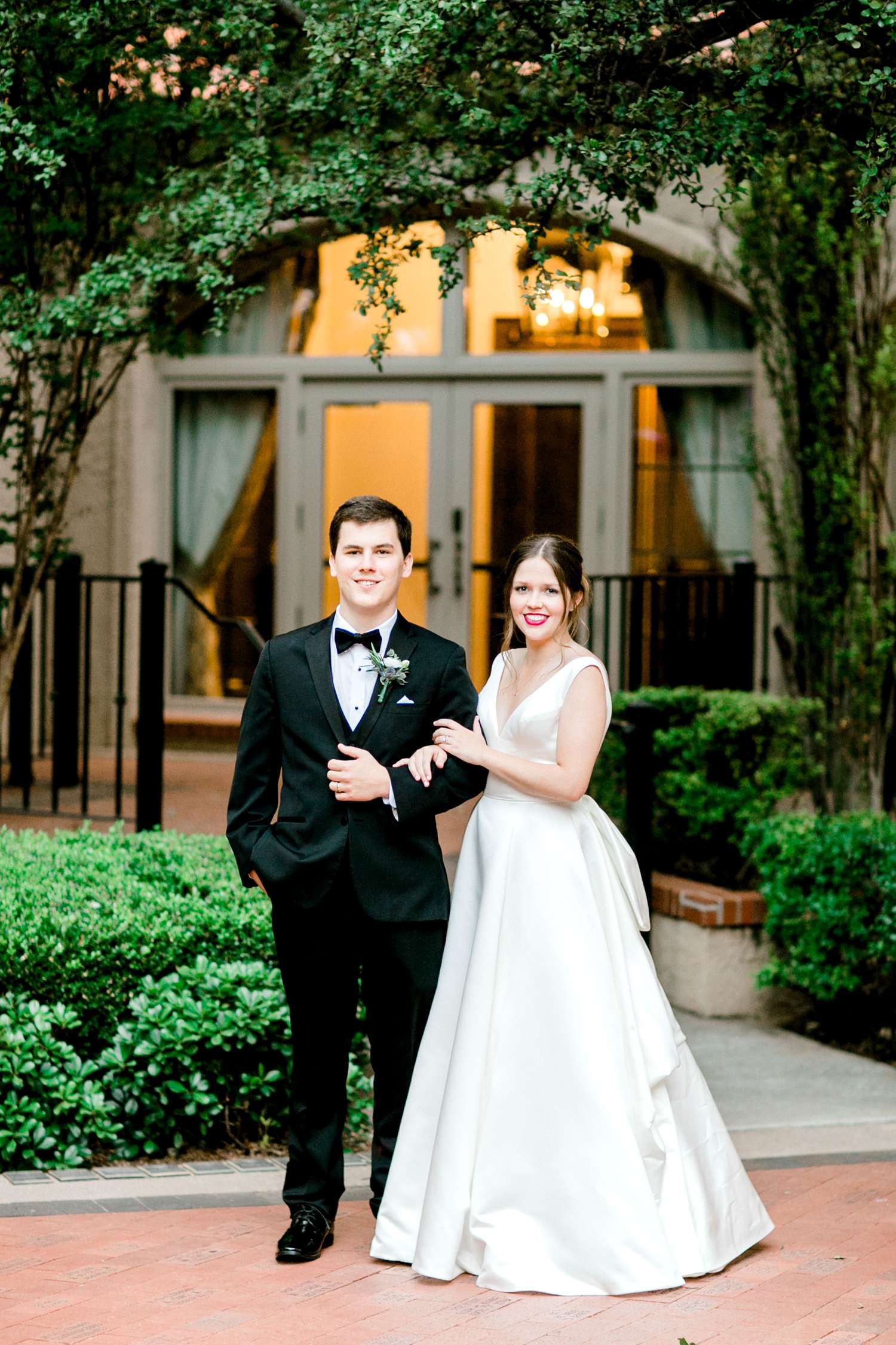 HANNAH+CRAIG+CHILDS+TEXAS+TECH+WEDDING+ALLEEJ+LUBBOCK+PHOTOGRAPHER_0139.jpg