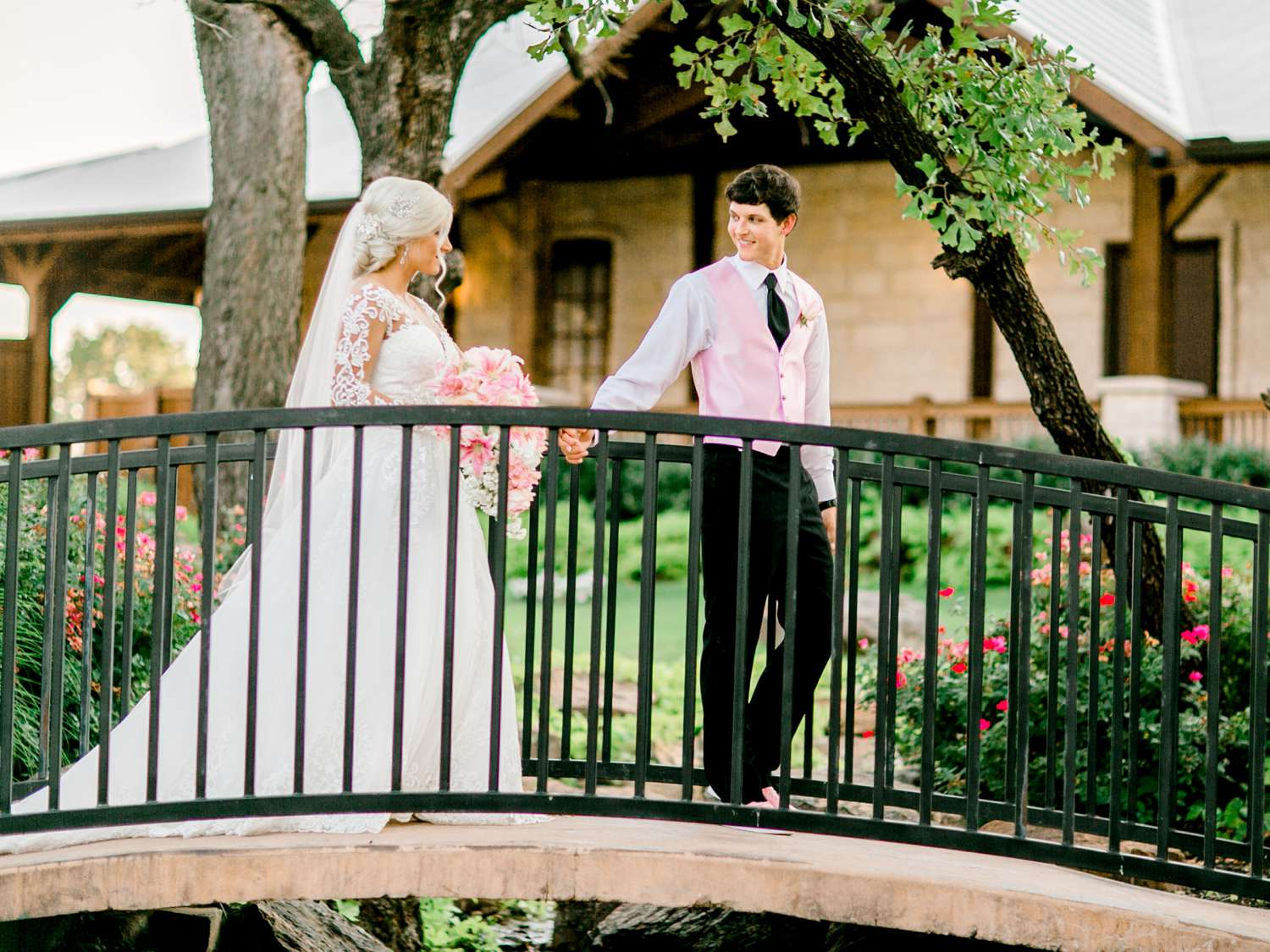 JESSICA+LYLE+NEEL+THE_SPRINGS_EVENTS_WEDDING_OKLAHOMA_ALLEEJ_PHOTOGRAPHER_0098.jpg
