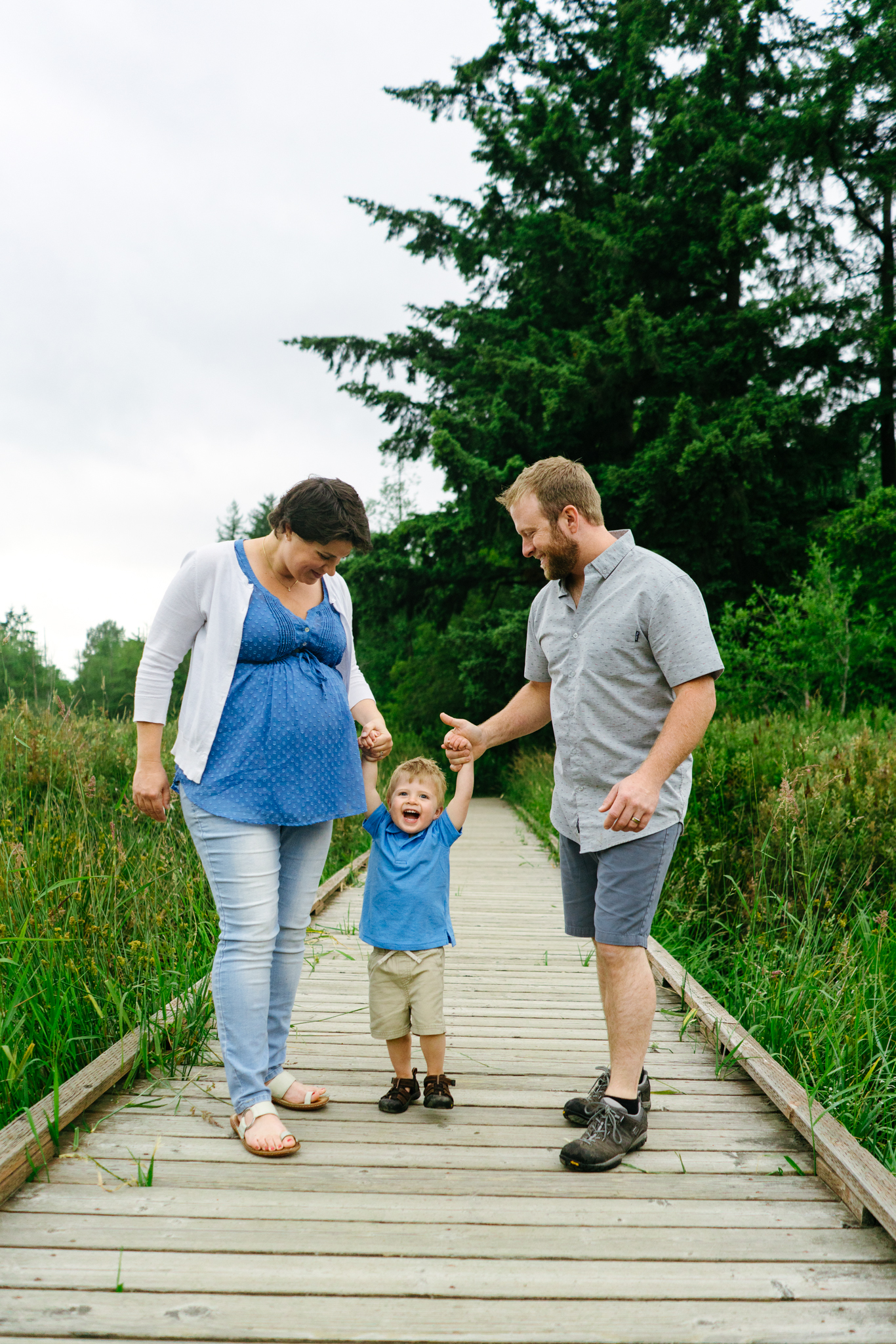 Family Portrait Photographs at Clark Lake Park in Kent, Washington