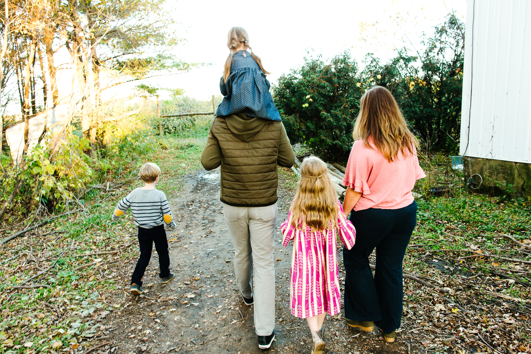 Bothell Area Fall Family Mini Sessions In An Apple Orchard