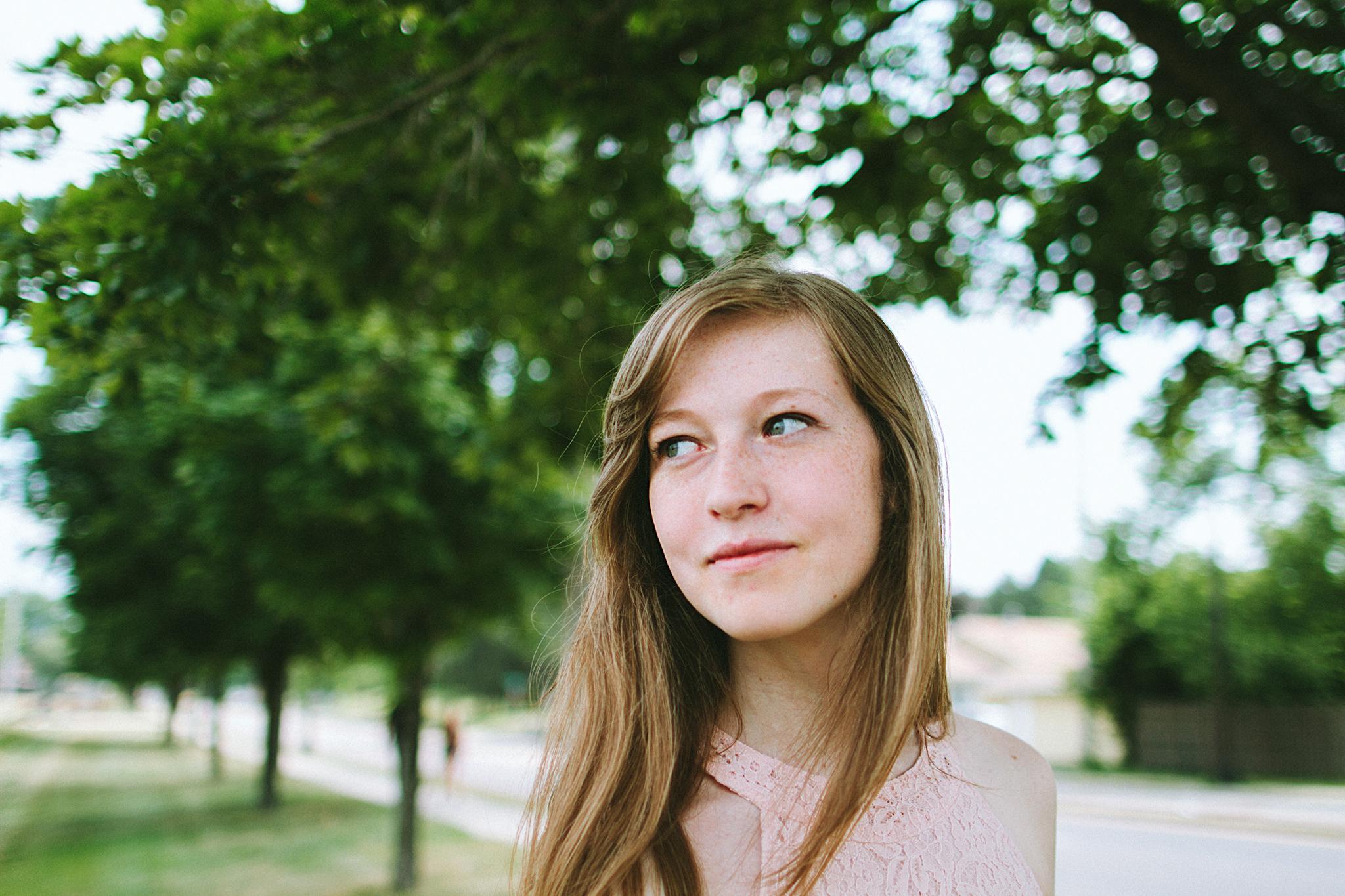 Redmond High School Senior Portrait Photographer