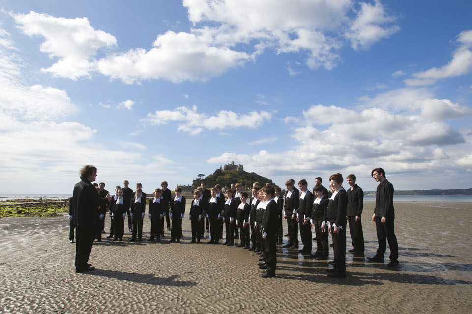 St Petersburg Boys Choir in front of St Michael's Mount 27-4-17 - Phil Monckton.jpg