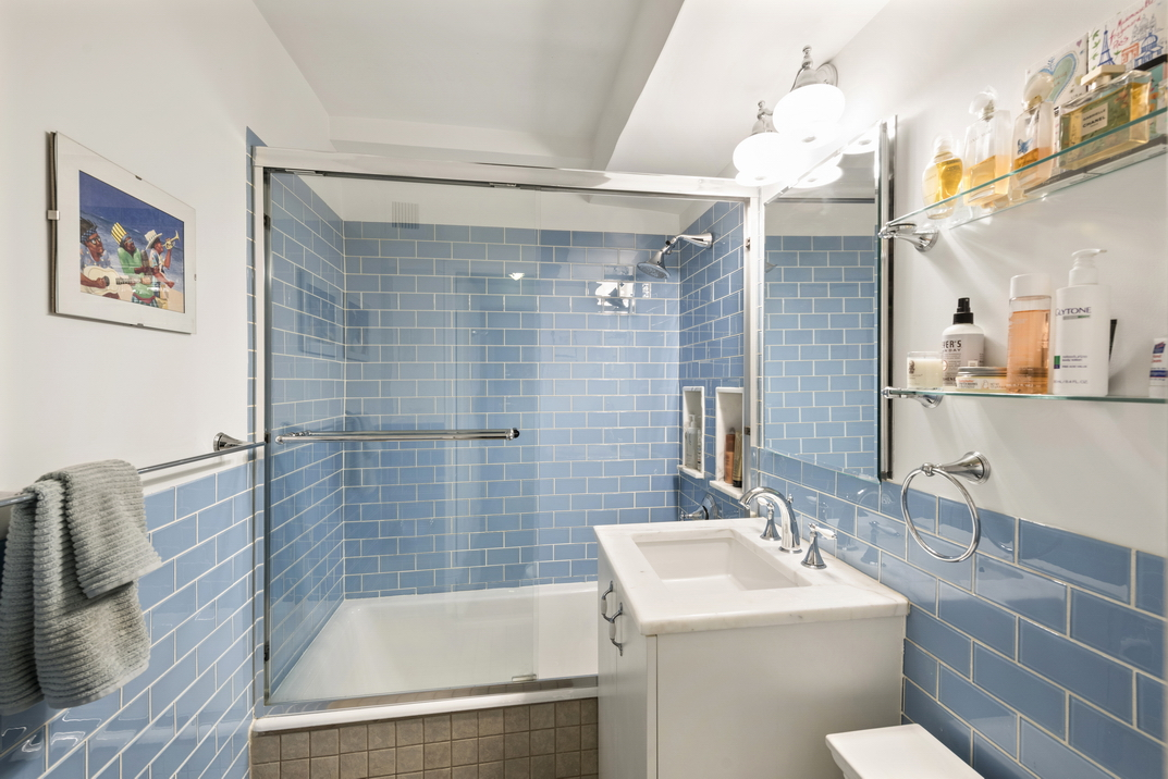 233 East 70th Street Apt 12T__7_resize.jpg