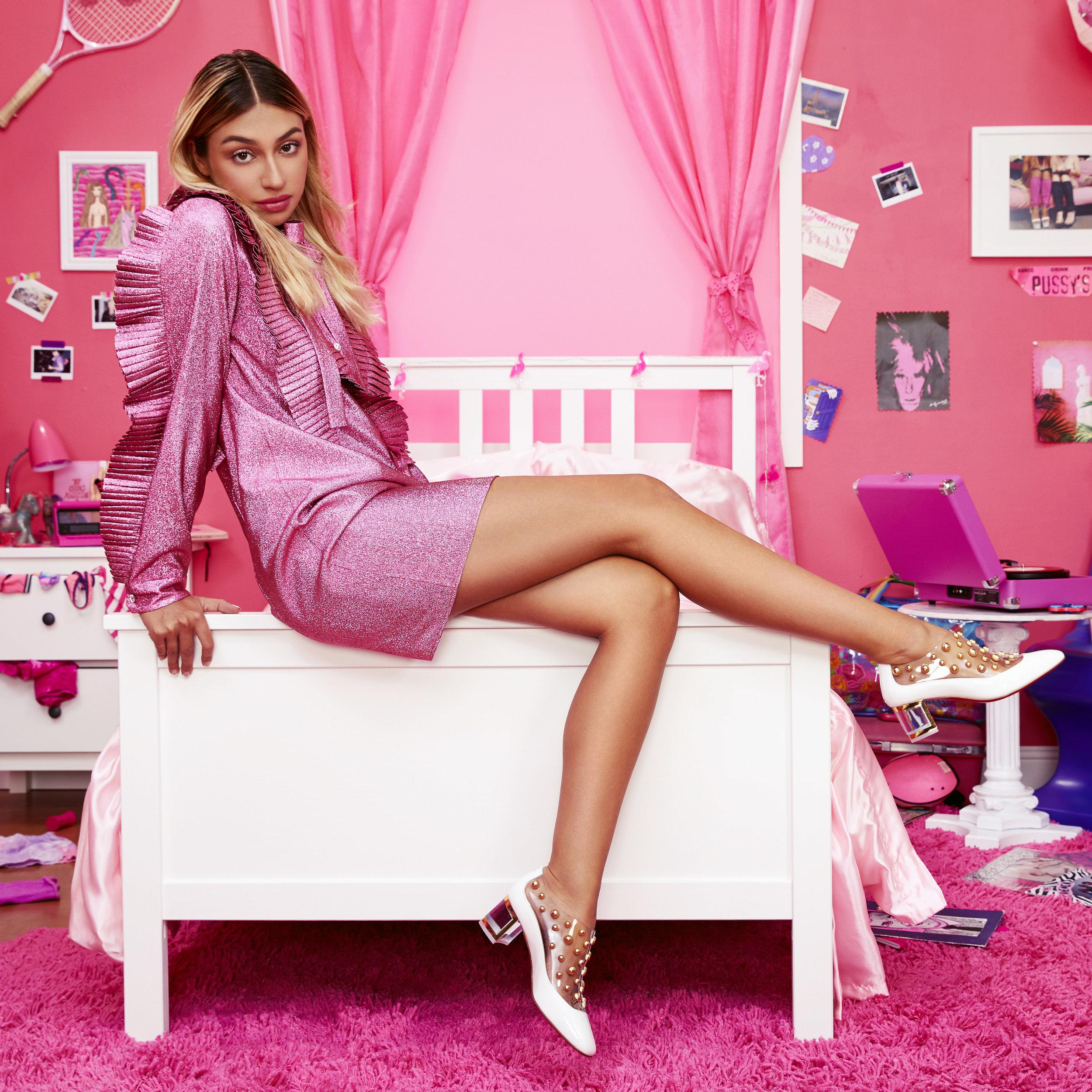 180826_pink_room_test_look2_1759_edit.jpg