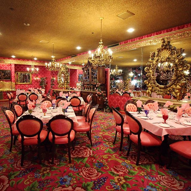 It's not too early to start planning your holiday parties!!! ✨🍾Our friendly and experienced banquet and events staff will help make your next gathering absolutely fabulous from start to finish.  Call them directly at (805) 784-2410, email banquets@madonnainn.com, or visit our website to learn more!