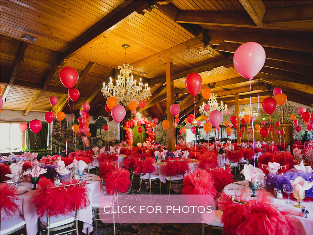 Garden Room - An elegant banquet room located on the second level, and decorated with high wooden ceilings, chandeliers, and garden murals. Should you desire, a private bar can be arranged. The Garden Room seats 150 people.