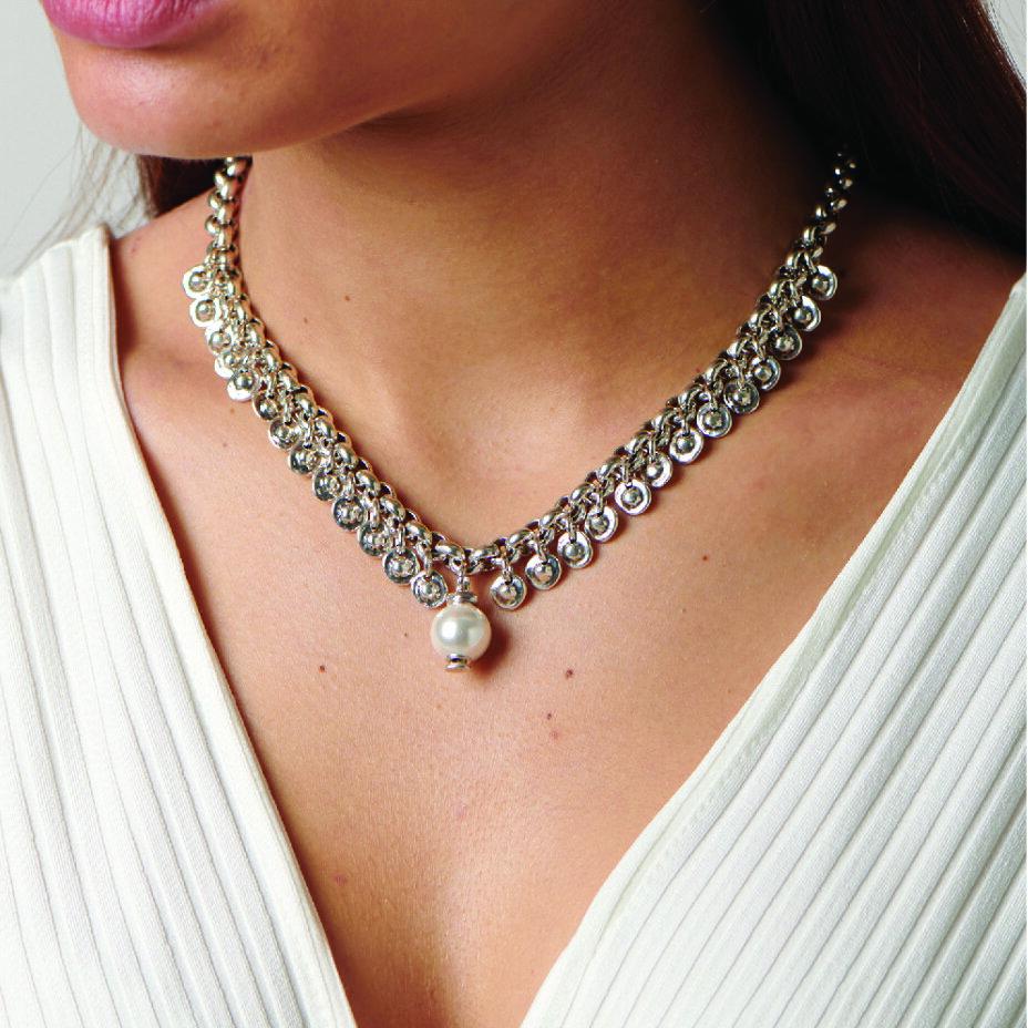 uno necklace.jpg