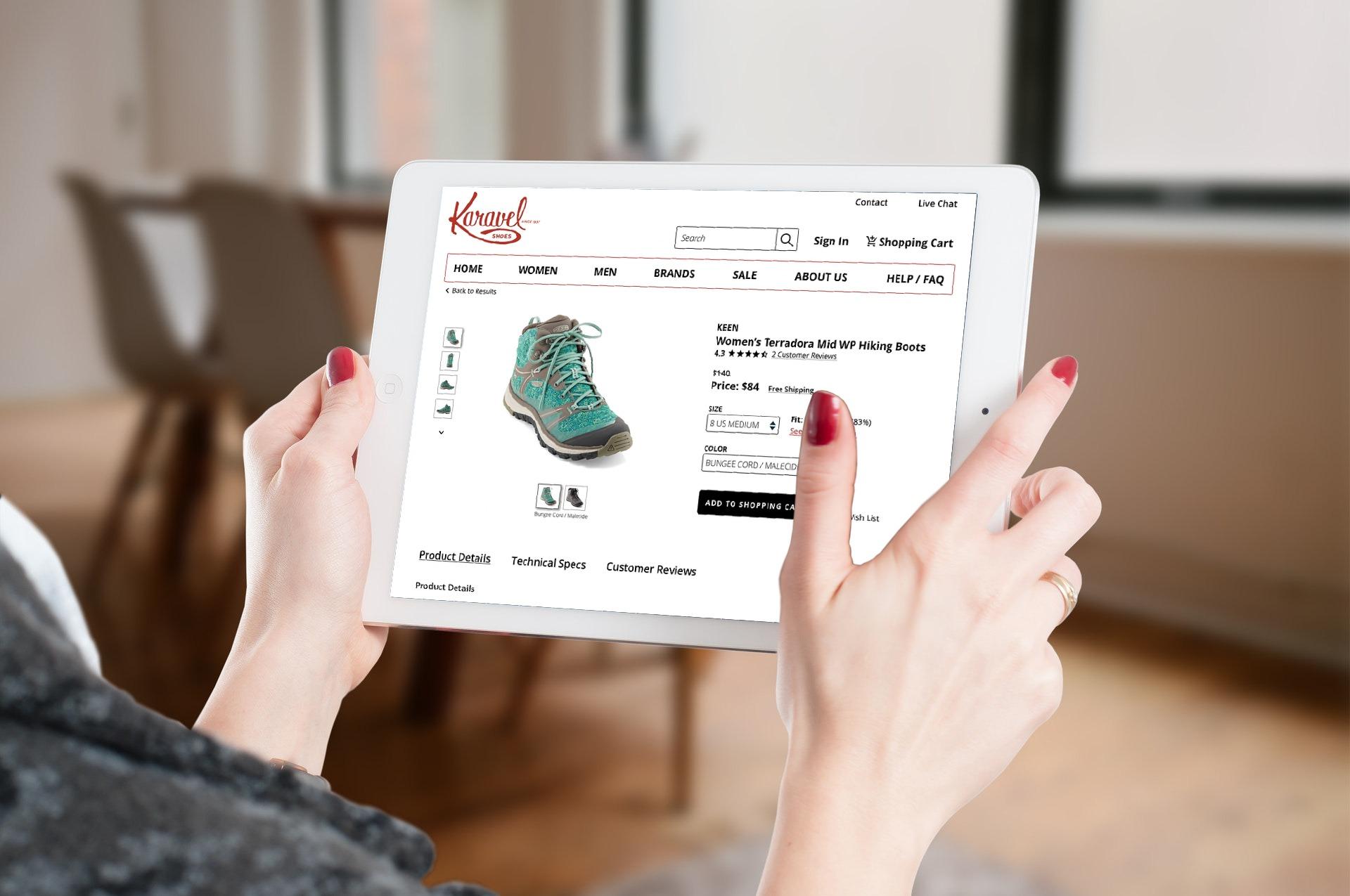 Karavel-Shoes-mockup-tablet.jpeg