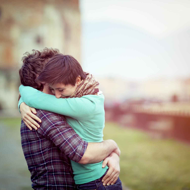 12-couple-hugging-main.jpg