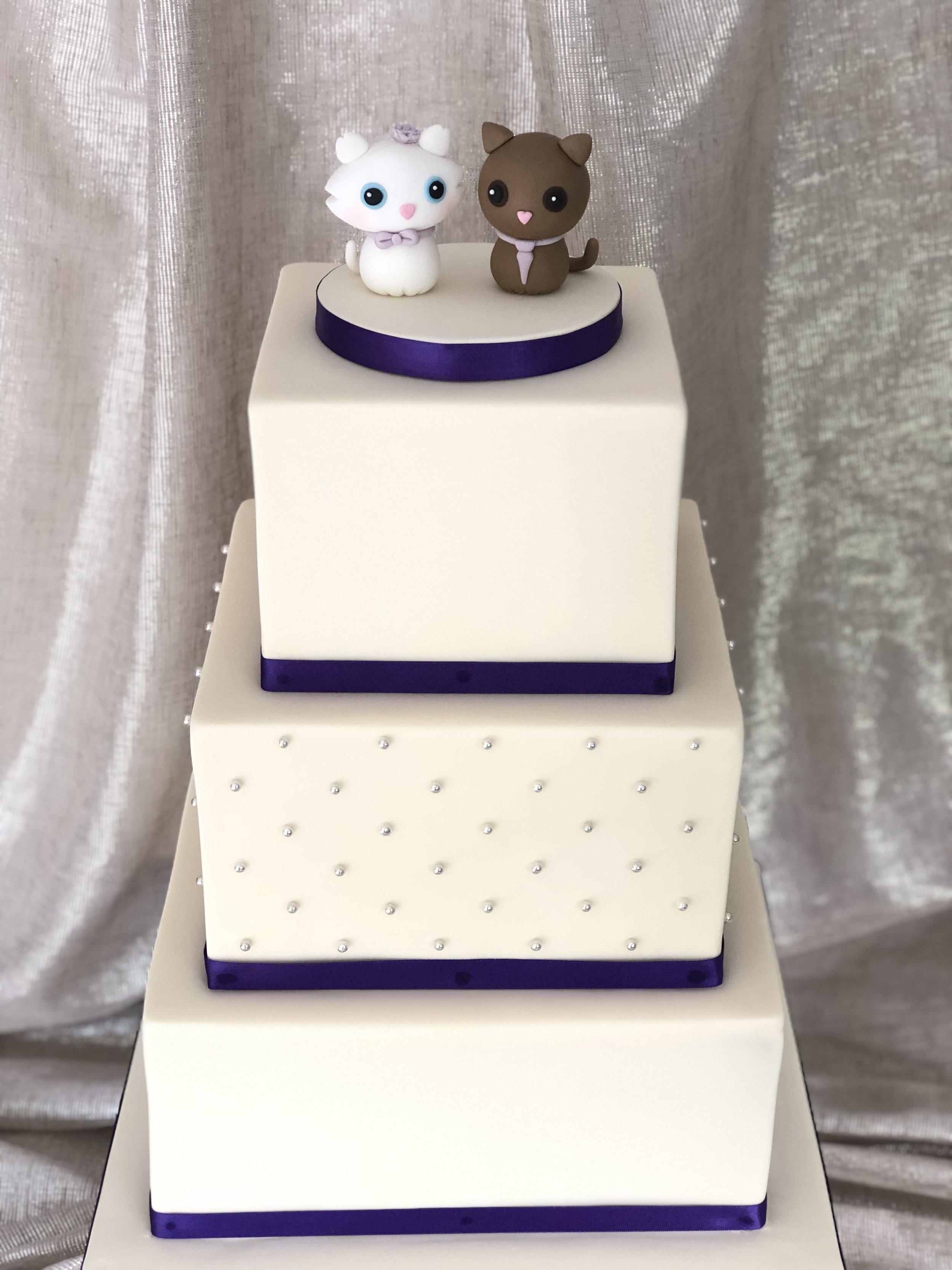 Leanne square wedding cake.jpg
