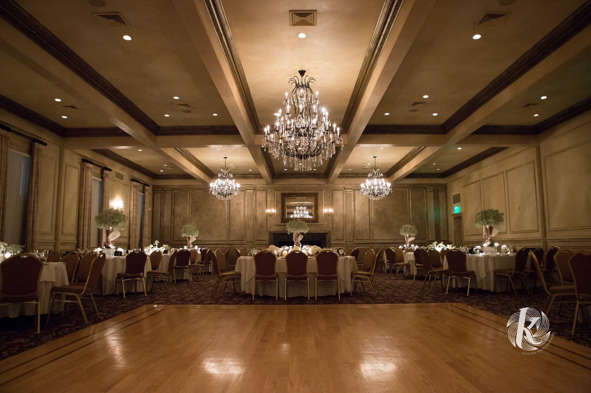 Venue: The American Hotel     Photographer: Kuhlken Photographers