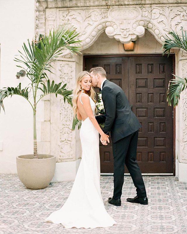 Beauty queen 👸🏼 #Repost @aleegleibermanphoto ・・・ A + M on their Confidante Hotel wedding day. #aleegleibermanphotography #kodakportra400 #theconfidantehotel