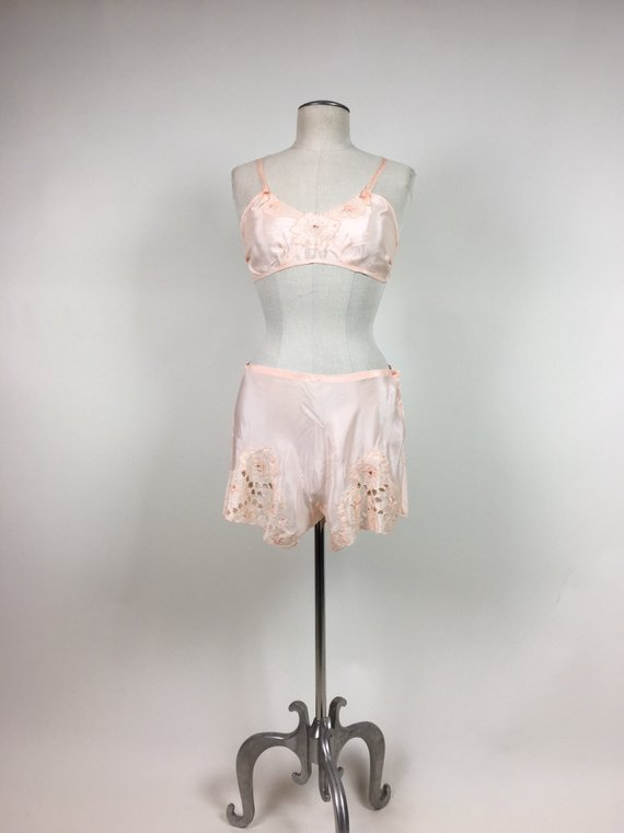 vintage peach bralette and tap pants - A cute little set from the 30s.