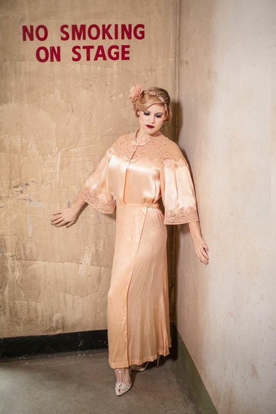 lace and silk peach vintage 30s robe - The romance of the past wrapped around you