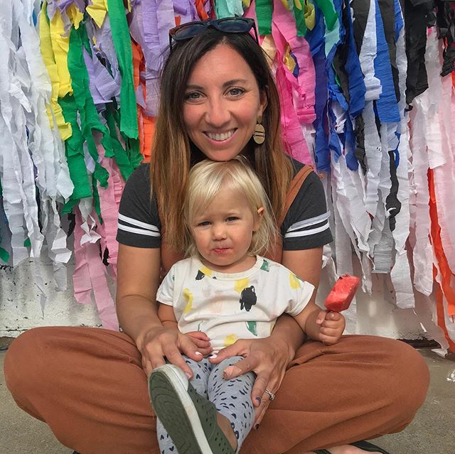 My BFF aka my niece Emelia turned two years old. We ate tacos and pastry puff cake on a perfect sunny day with a culdesac full of all her friends and family. Miss Large and In Charge streamer install made an appearance as our #tacoTWOsday photo backdrop. 🌈 Happy Birthday Mimi!!! . Cutest & crazy delicious 🍰: @diyselly . #artinstallation #popsofcolor #popart #kidspartyideas #installationart #installationartist #tacotwosday