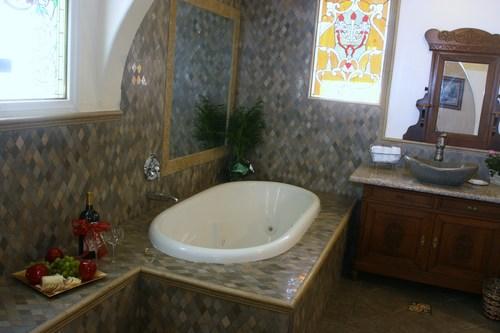 Bath tub in King Queen Suite