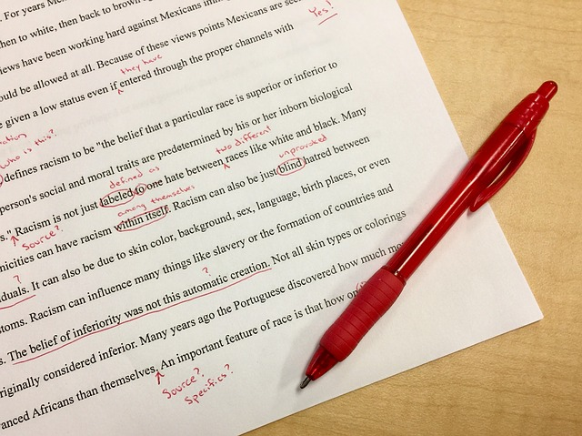 Do you get a thrill from correcting grammar? - You could be an editor.