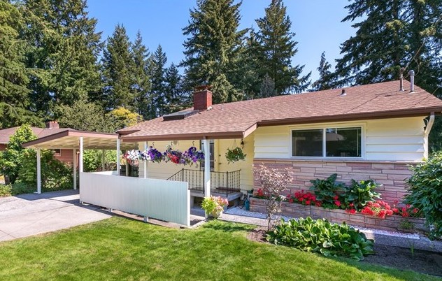 Buyer ____________ SOLD Price $640,000 Shoreline, WA