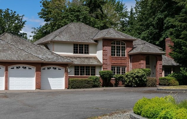 Listing ____________ SOLD Price $1,575,000 Woodinville, WA