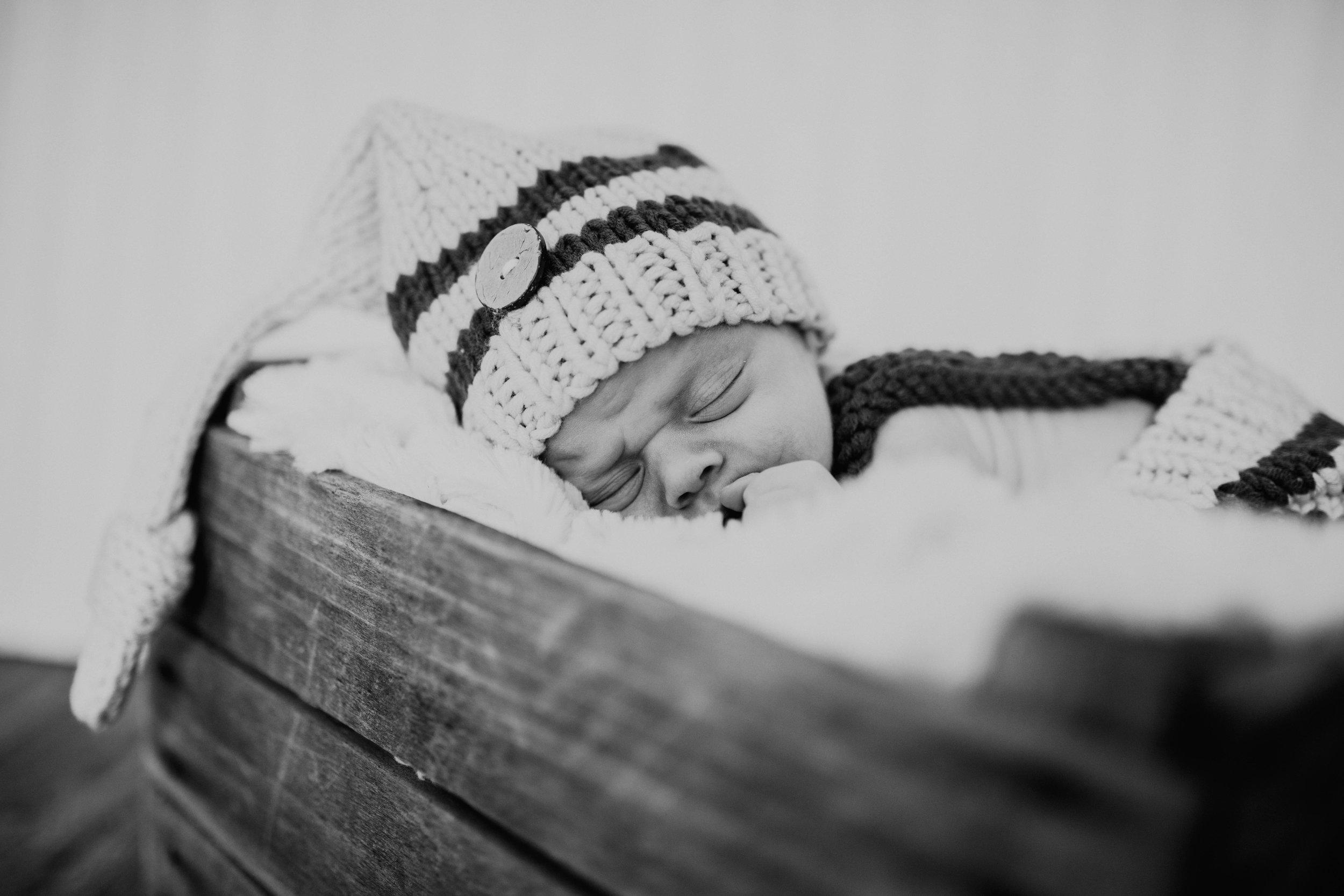 Newborn 33 (1 of 1).jpg