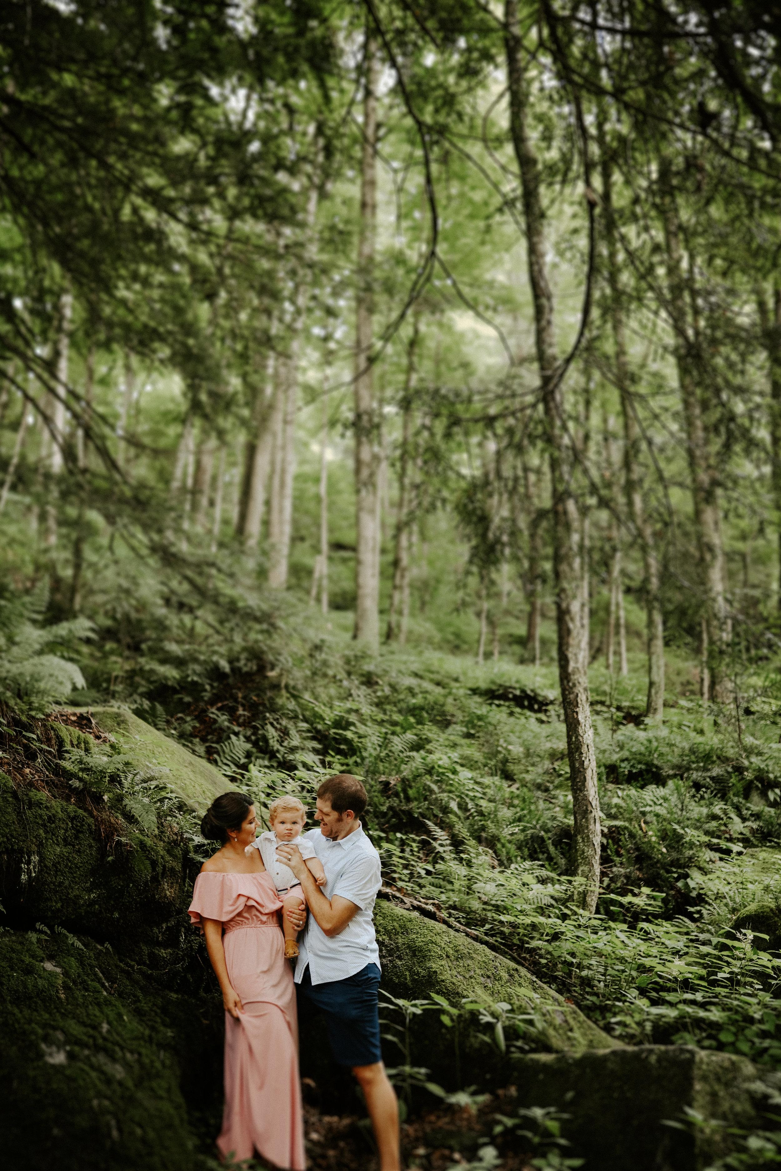Irina + Erik - Family in the woods