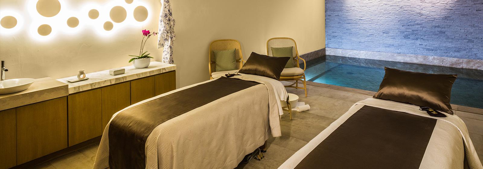 A couple's massage at SE Spa.