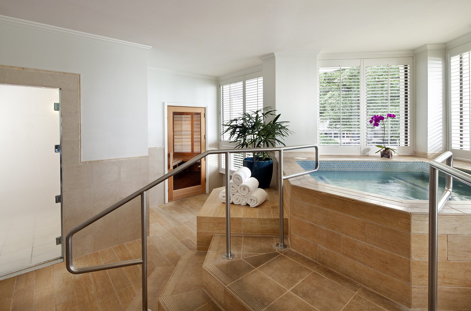 Serene whirlpools offer views of the calming sea.