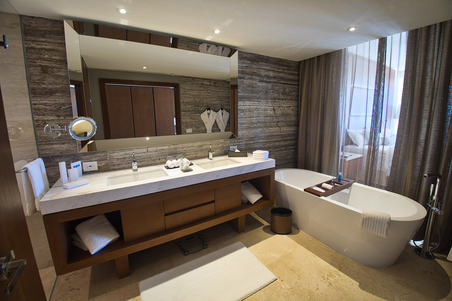 Royal Deluxe Honeymoon suite bathroom resized.jpg