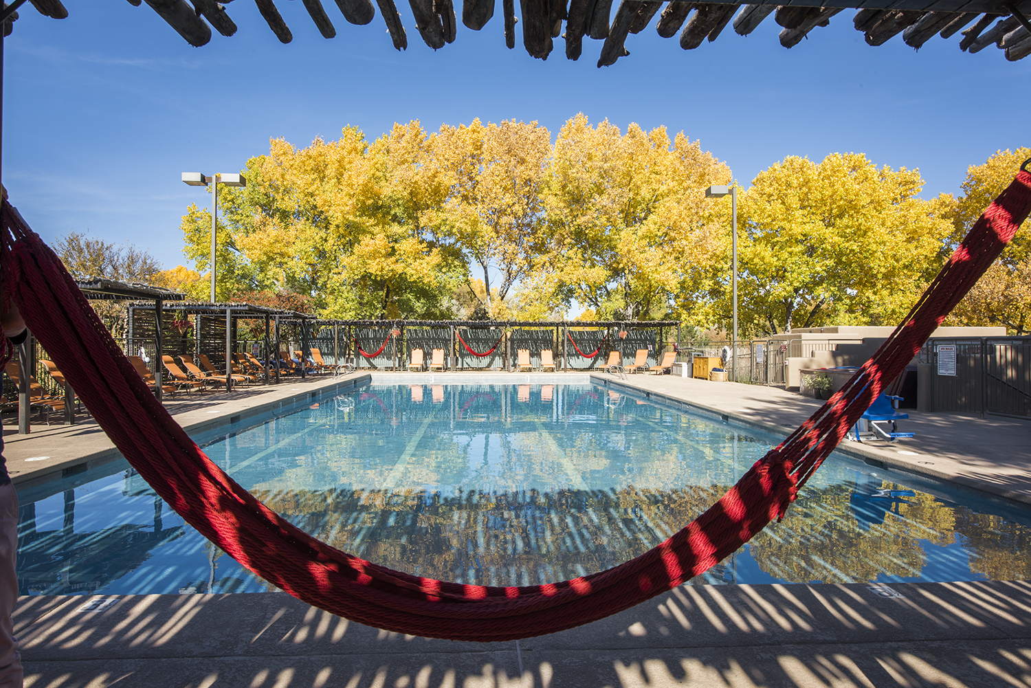 The outdoor salt water swimming pool is open from April to October.