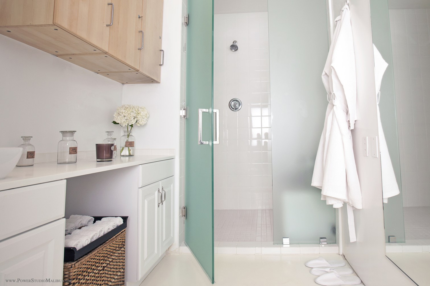 The spa has spacious and comfortable spaces for showering, changing and relaxing.