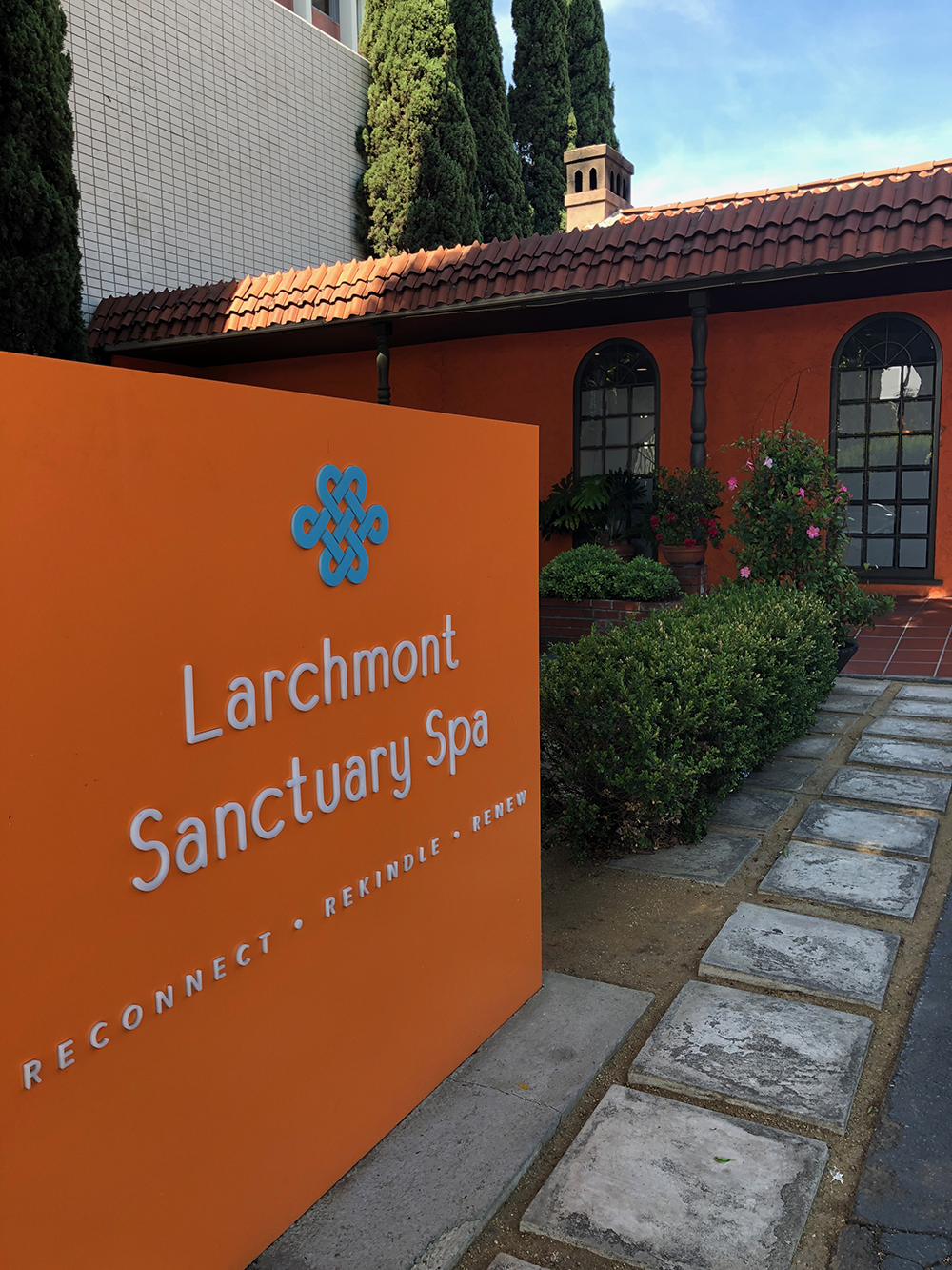 The award-winning Larchmont Sanctuary Spa is located in the historic Larchmont Village neighborhood of Los Angeles, California.