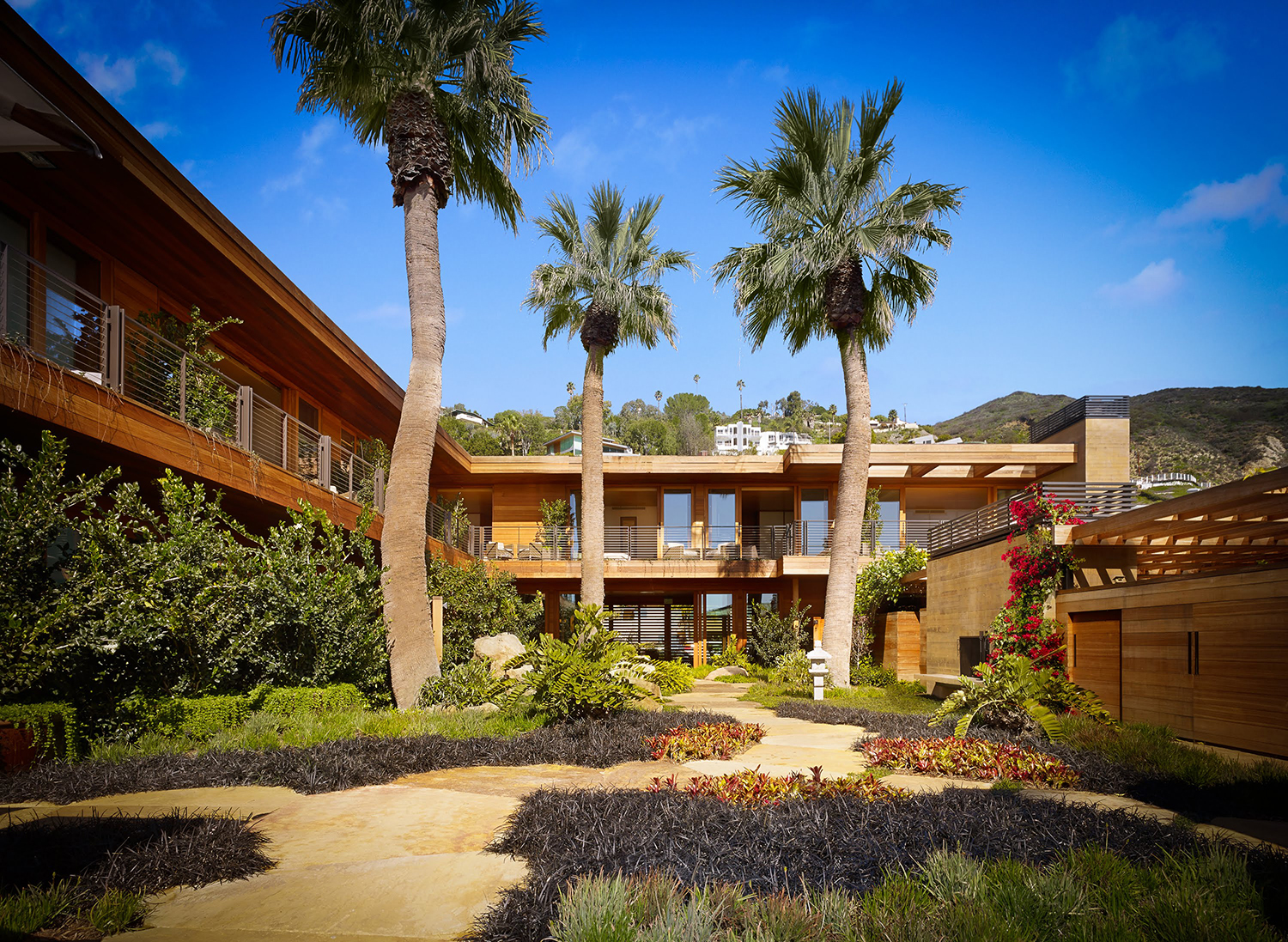 The property blends the minimalist aesthetic of traditional Japanese inns with the cool elegance of the California coastline.
