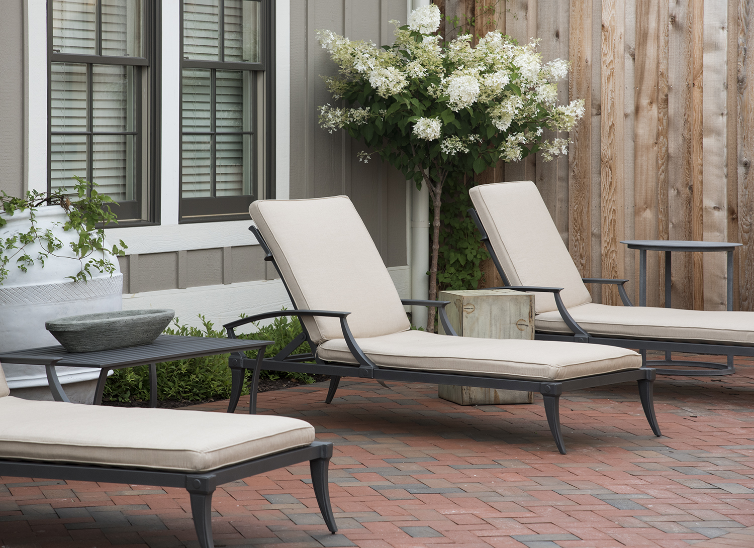 Guests of the Spa can relax in the peaceful outdoor courtyard before or after services.