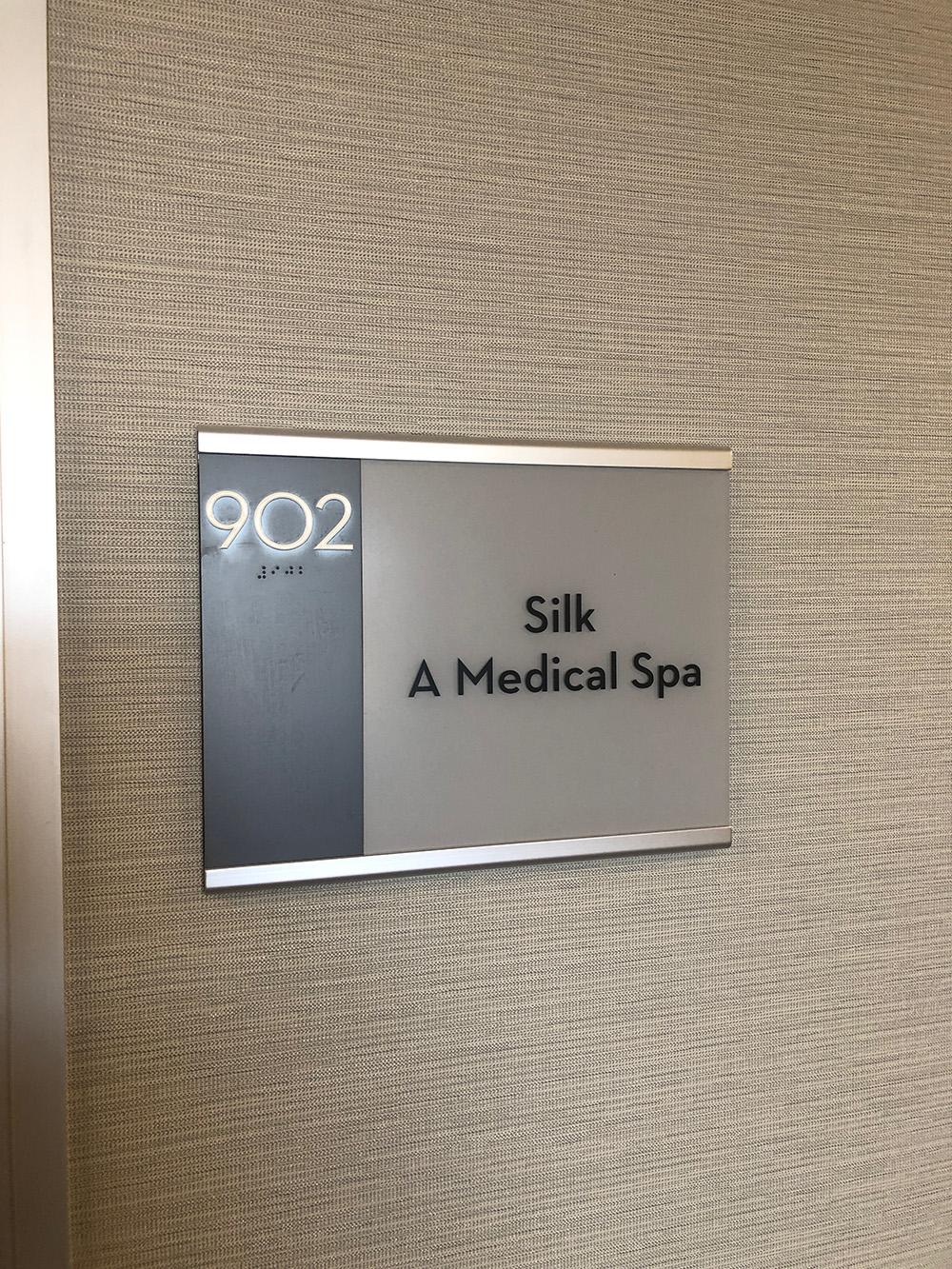 Silk, A Medical Spa is located in Encino, California.