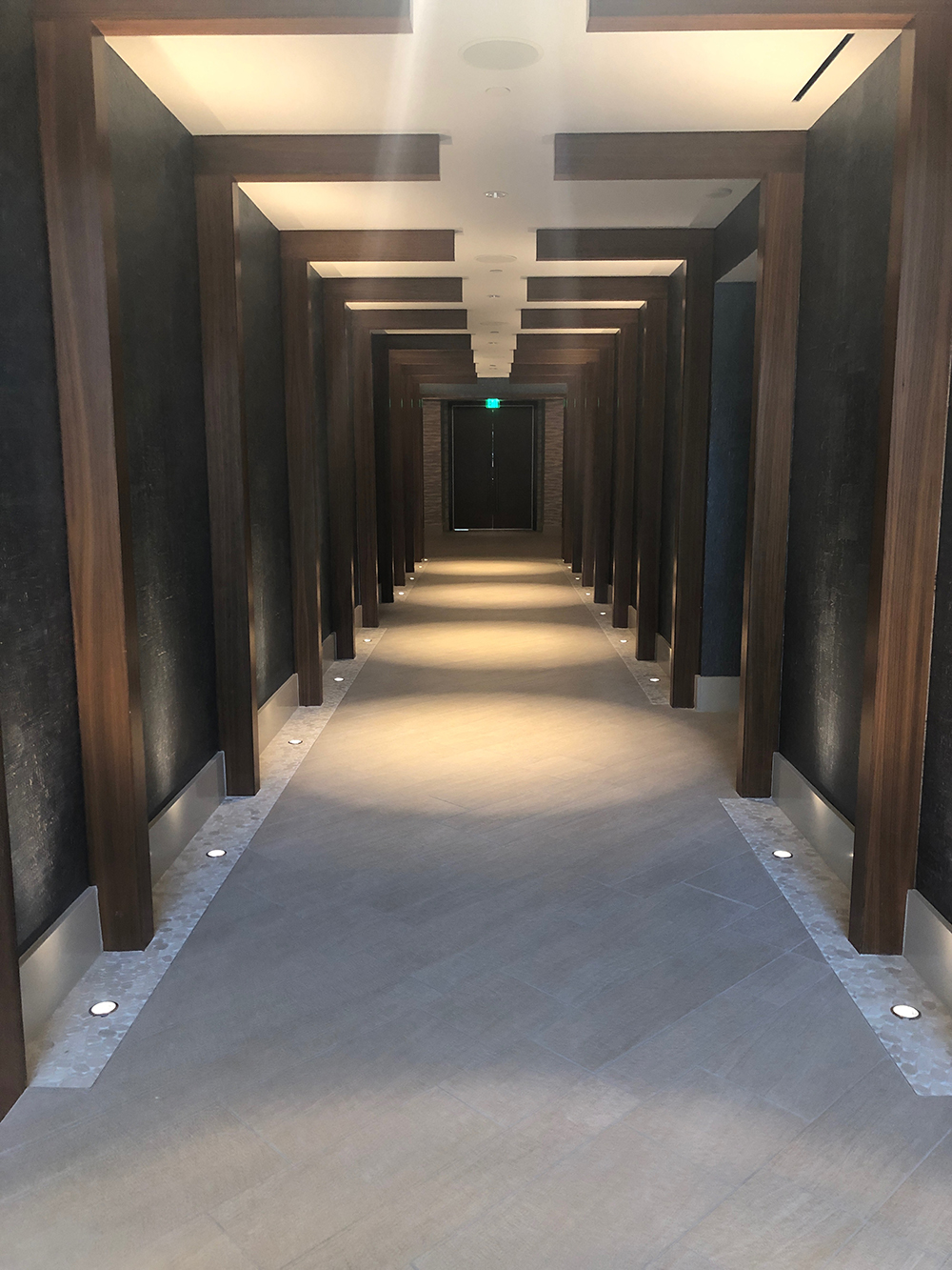 The hallway leading from the reception desk to the Spa.