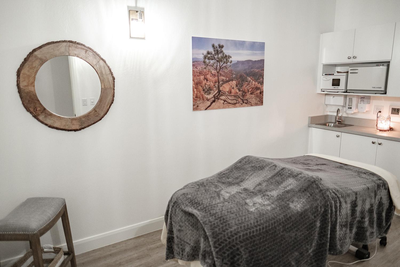singles treatment room.jpg