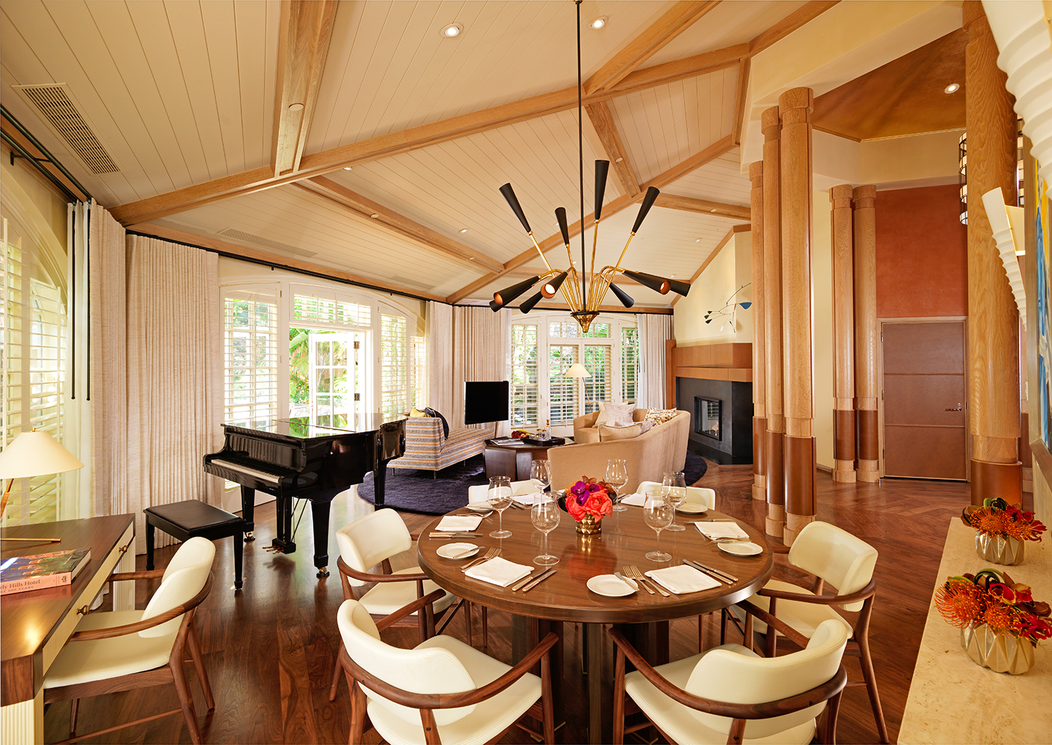 The centerpiece of the bungalow is the expansive and open parlour with lounge-style seating.